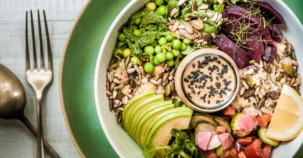 Plan de repas de bodybuilding: Quoi manger, quoi éviter