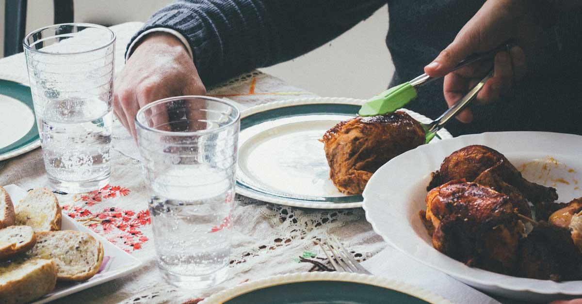 Combien de calories dans le poulet? Poitrine, Cuisse, Aile et Plus