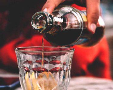 Quelle quantité de caféine contient le coke et le coke diète?