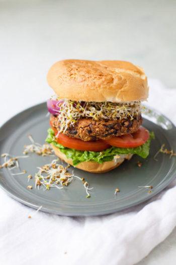 hamburger aux haricots noirs