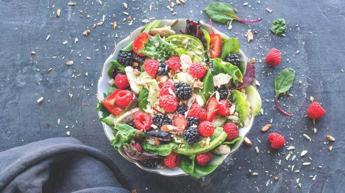 Salade de fruits rouges et d'amandes