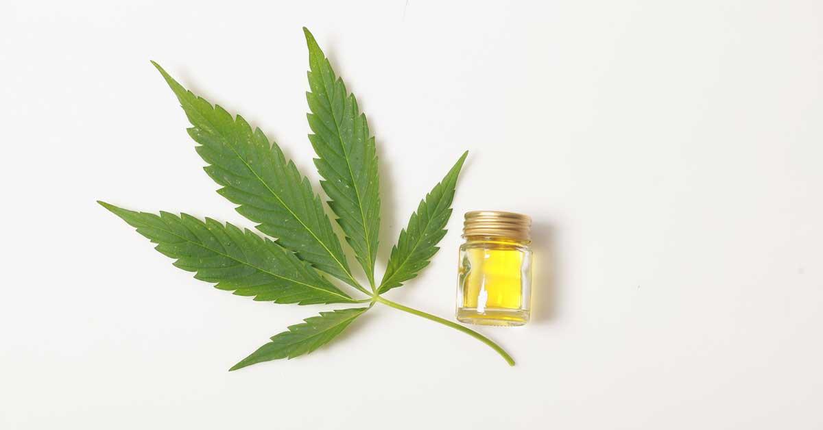 7 avantages et utilisations de l'huile de CBD (plus les effets secondaires)