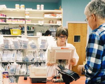 Les pharmaciens vont maintenant pouvoir vous aider à économiser de l'argent sur les prescriptions
