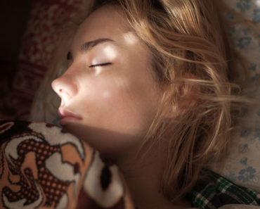 La science dit qu'avoir une heure de coucher régulière est bon pour la santé des adultes