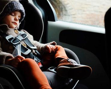 Enfants, sièges d'auto et sécurité automobile: ce que les parents devraient considérer