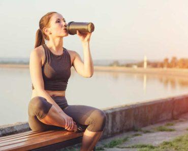 Est-ce que trop de protéine de lactosérum cause des effets secondaires?