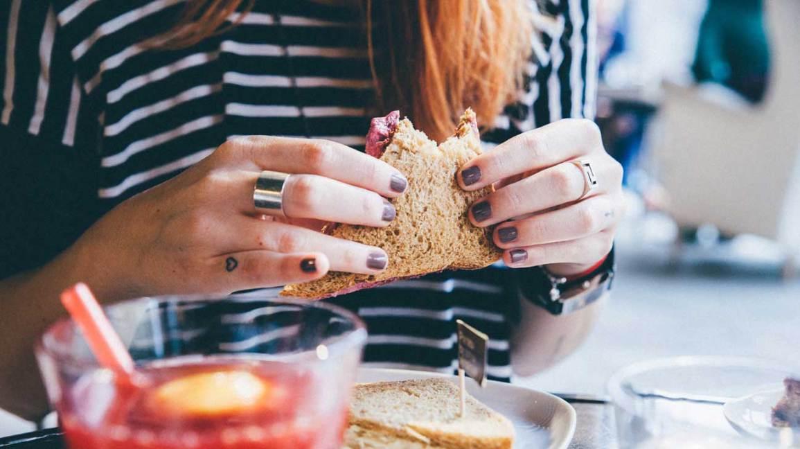 Tenue femme, sandwich