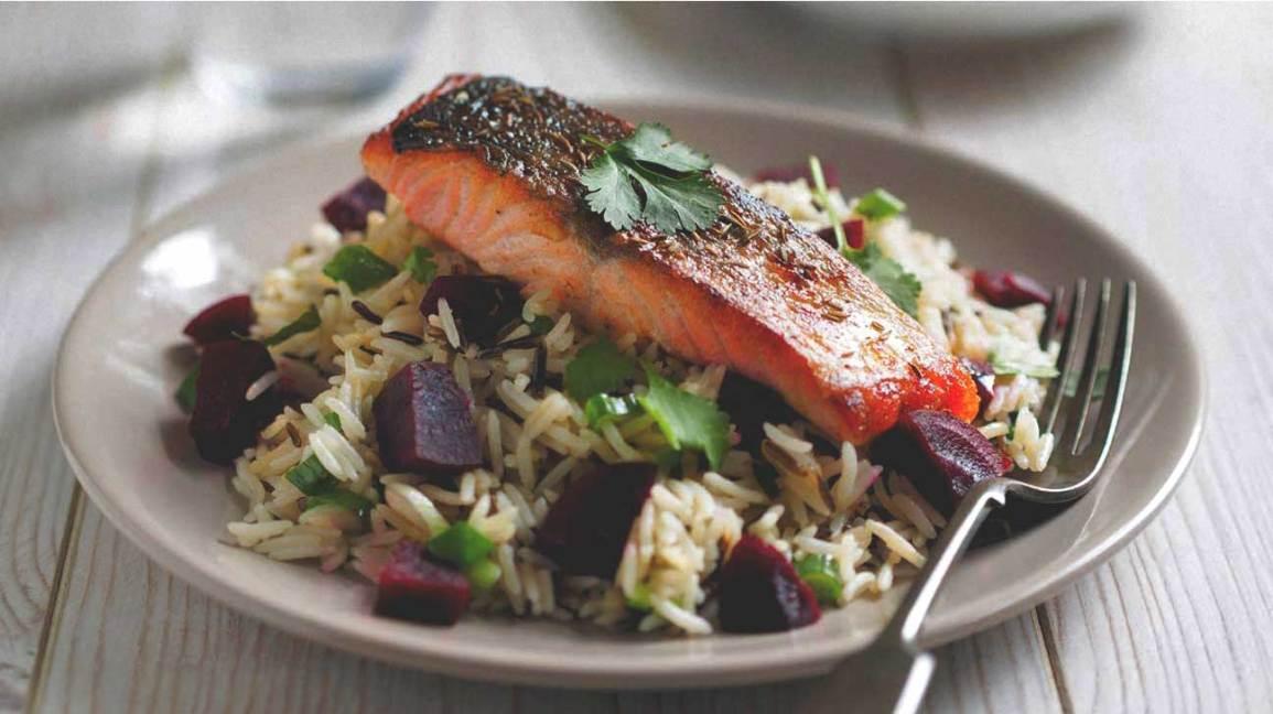 Saumon, riz sauvage et betterave