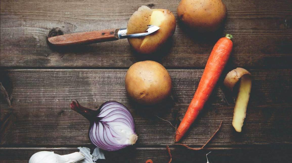Ail, oignon rouge, carotte et pomme de terre