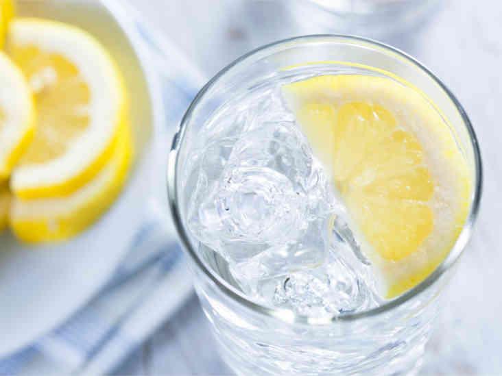 Est-ce que l'eau de citron vous aide à perdre du poids?