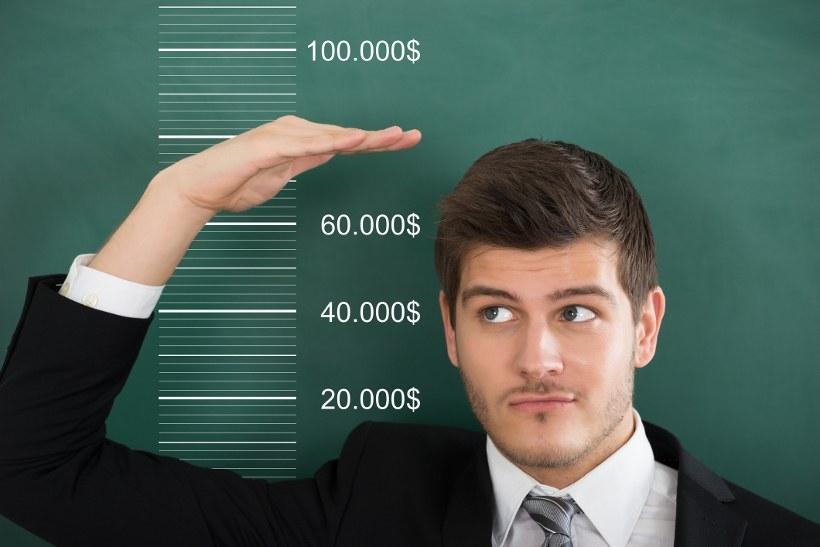 Homme mesurant la hauteur
