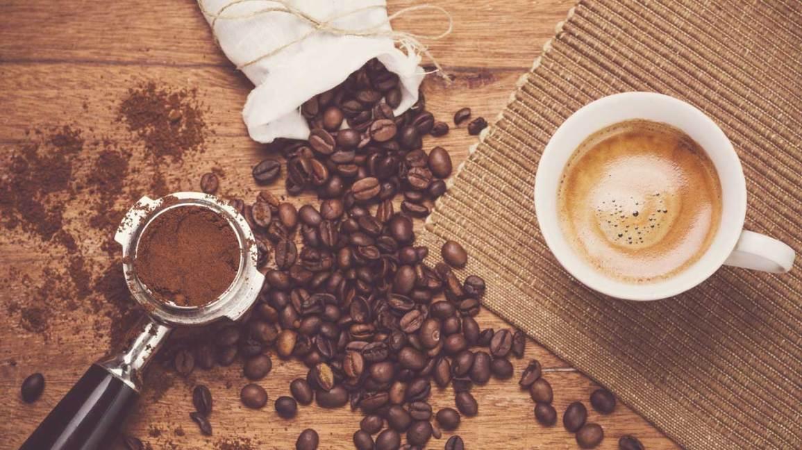 Grains de café moulus à espresso