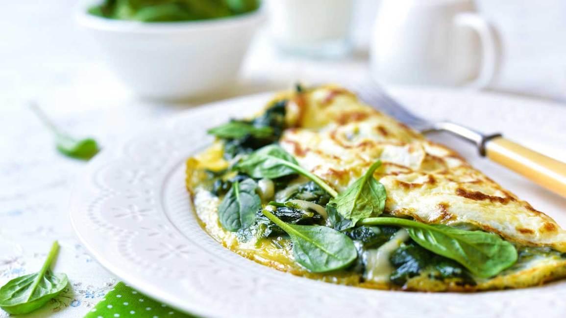 Omelette au fromage et aux épinards