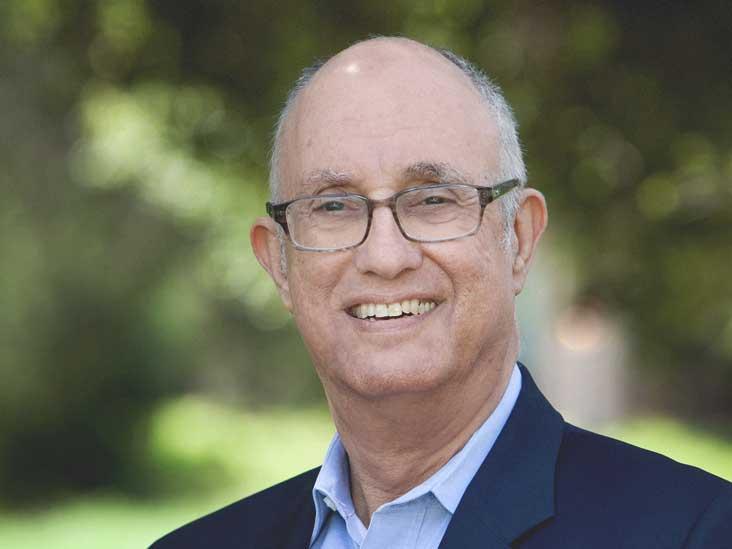 Le professeur Stanford tire la sonnette d'alarme sur notre lieu de travail moderne et toxique
