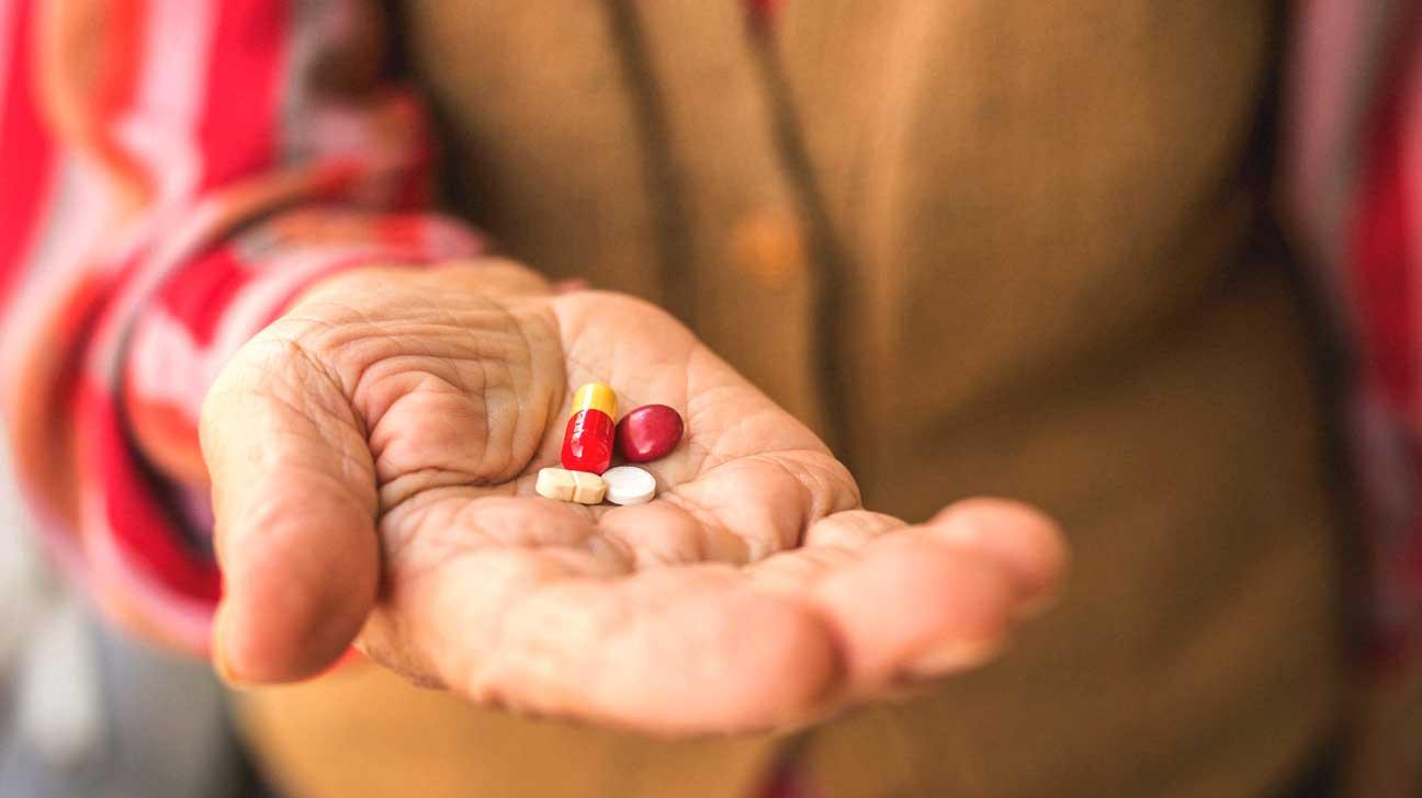 Pourquoi tant de personnes âgées prennent des vitamines qui ne les aident pas vraiment