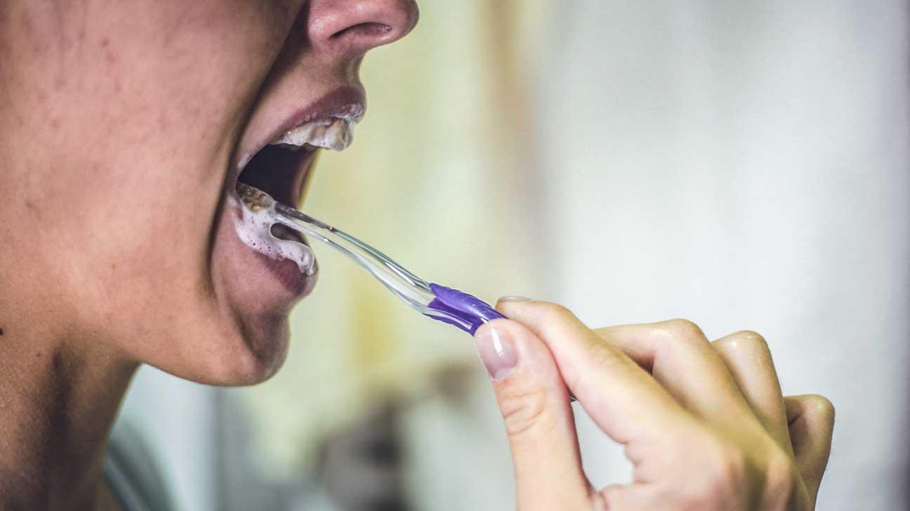 Pourquoi un ingrédient controversé Le triclosan se trouve dans le dentifrice mais pas dans le corps