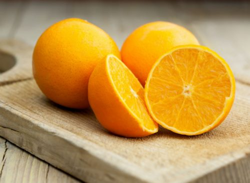 """easy cheap ways to lose pounds orange"""" width=""""500"""" height=""""366"""" srcset=""""https://infosante24.com/wp-content/uploads/2019/05/1557721432_454_25-manières-faciles-et-bon-marché-De-perdre-5-livres.jpg 500w, https://www.eatthis.com/wp-content/uploads/media/images/ext/605529960/oranges-768x563.jpg 768w, https://www.eatthis.com/wp-content/uploads/media/images/ext/605529960/oranges.jpg 1024w, https://www.eatthis.com/wp-content/uploads/media/images/ext/605529960/oranges-300x220.jpg 300w, https://www.eatthis.com/wp-content/uploads/media/images/ext/605529960/oranges-826x606.jpg 826w, https://www.eatthis.com/wp-content/uploads/media/images/ext/605529960/oranges-205x150.jpg 205w, https://www.eatthis.com/wp-content/uploads/media/images/ext/605529960/oranges-684x500.jpg 684w, https://www.eatthis.com/wp-content/uploads/media/images/ext/605529960/oranges-640x468.jpg 640w, https://www.eatthis.com/wp-content/uploads/media/images/ext/605529960/oranges-343x250.jpg 343w, https://www.eatthis.com/wp-content/uploads/media/images/ext/605529960/oranges-256x186.jpg 256w, https://www.eatthis.com/wp-content/uploads/media/images/ext/605529960/oranges-183x133.jpg 183w, https://www.eatthis.com/wp-content/uploads/media/images/ext/605529960/oranges-244x178.jpg 244w, https://www.eatthis.com/wp-content/uploads/media/images/ext/605529960/oranges-264x192.jpg 264w, https://www.eatthis.com/wp-content/uploads/media/images/ext/605529960/oranges-600x439.jpg 600w"""" sizes=""""(max-width: 500px) 100vw, 500px"""