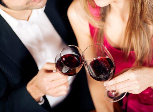 Couple avec du vin