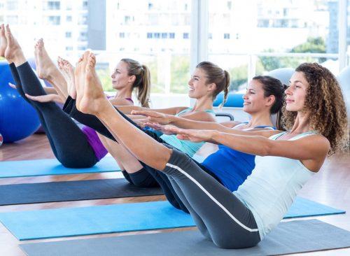 Les femmes sur le yoga