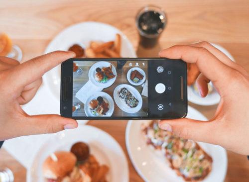 Prendre une photo de nourriture avec le téléphone