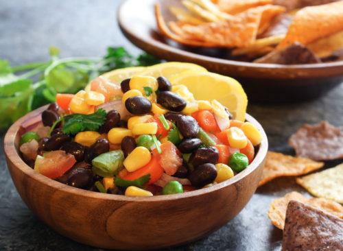 Croustilles de salsa de maïs aux haricots noirs