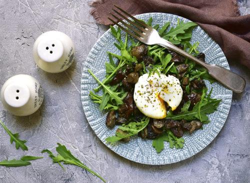 Salade à l'œuf poché