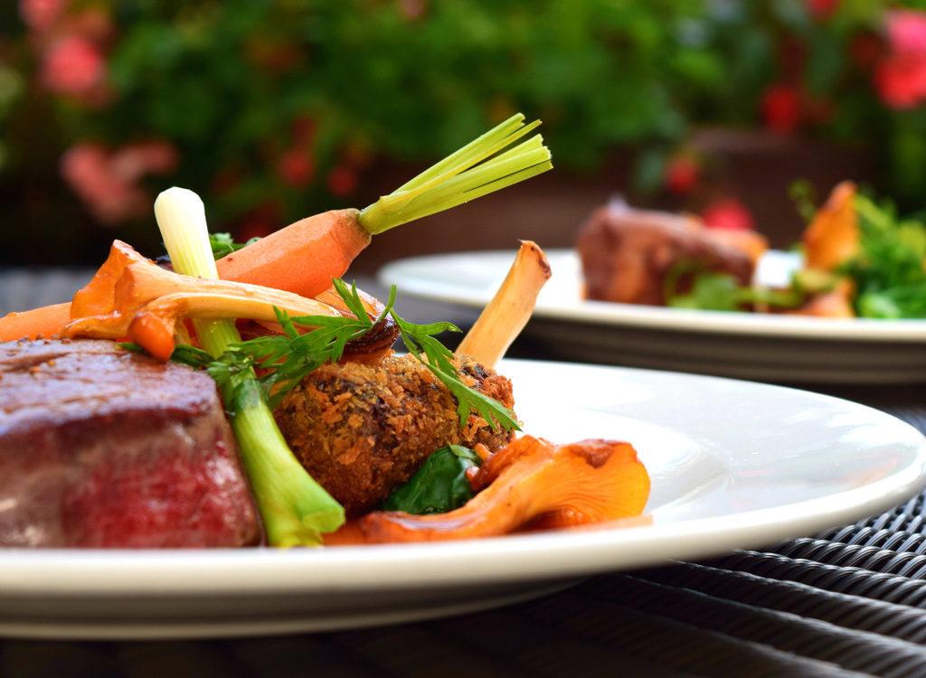 Couper les calories au restaurant avec ces 30 astuces