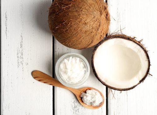 Cuillère d'huile de noix de coco
