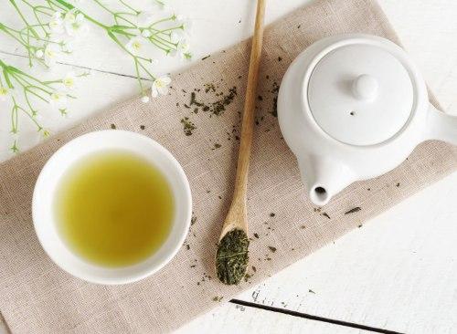 Faire du thé vert - comment vaincre le plateau de la perte de poids