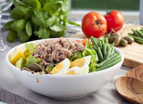Salade au thon et aux œufs