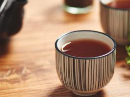 6 avantages et utilisations de thé de romarin