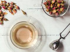 Qu'est-ce que le thé à la rose? Avantages et utilisations