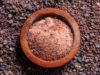 Le sel noir est-il meilleur que le sel ordinaire? Avantages et utilisations