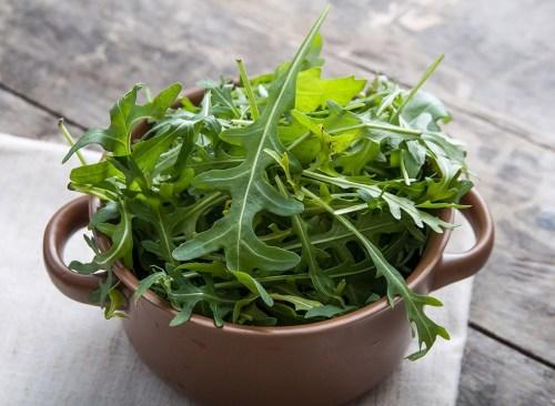 salade verte plus saine que le chou frisé