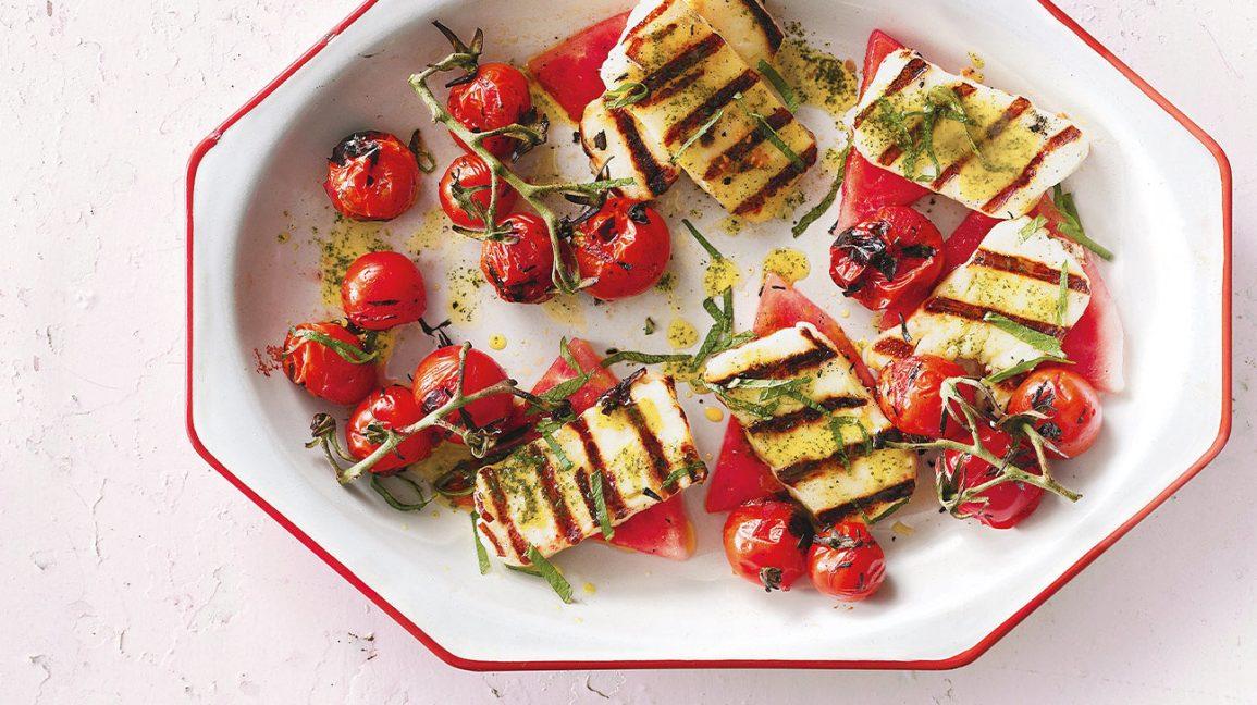 Halloumi grillé aux tomates