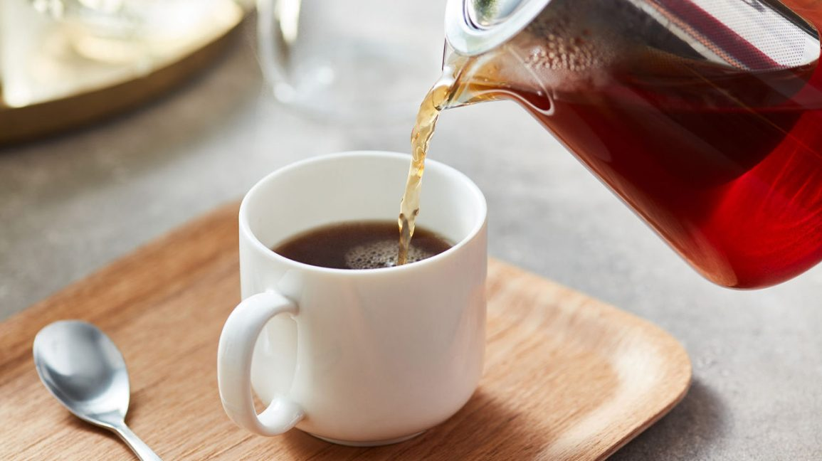 Verser une tasse de thé Smooth Move