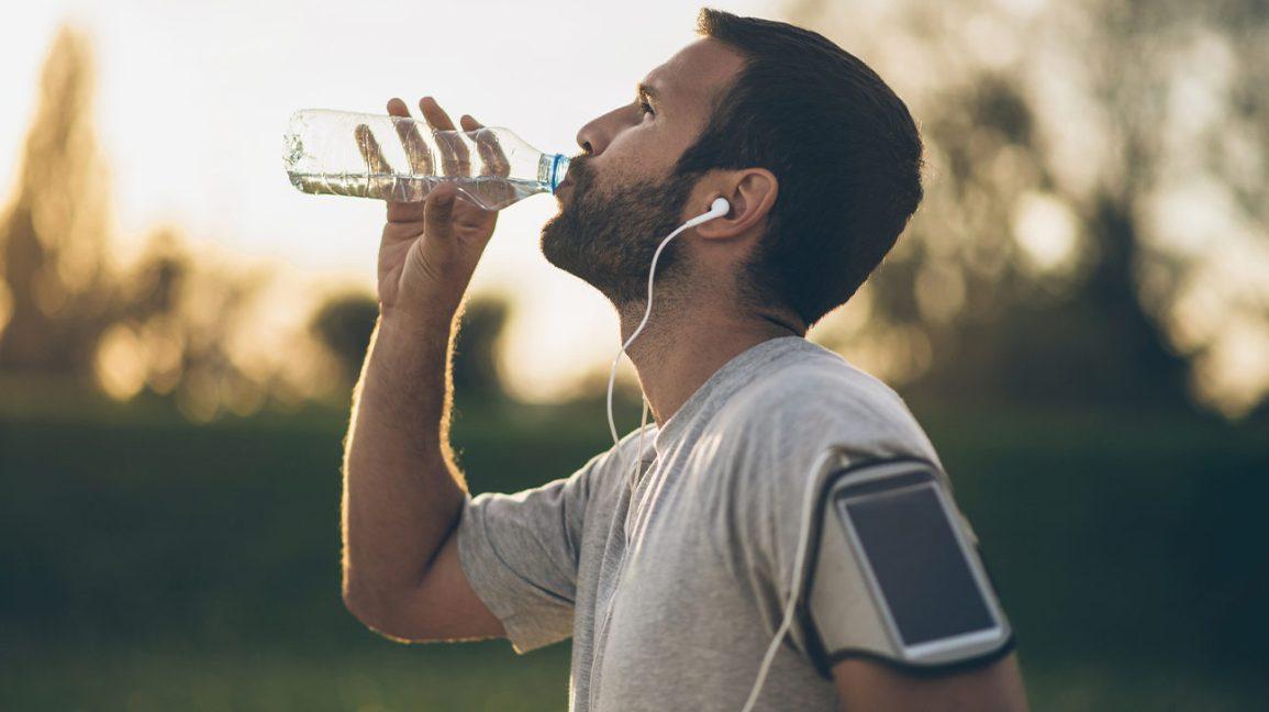 Homme, boire, caféine, eau