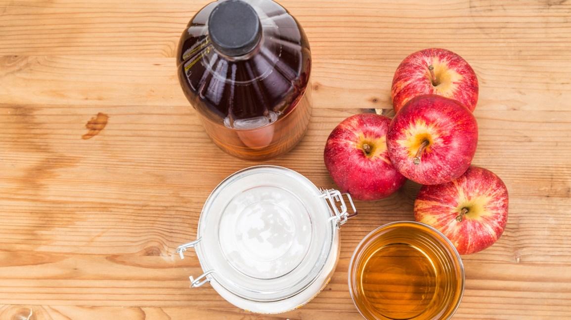 Bicarbonate de soude et vinaigre de cidre de pomme