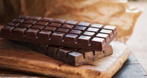 Le chocolat noir peut-il vous aider à perdre du poids?
