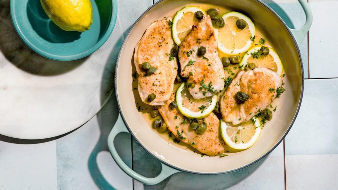plat de poulet au four au citron et câpres