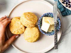 Le beurre végétal est-il sain? La nutrition et comment elle se compare