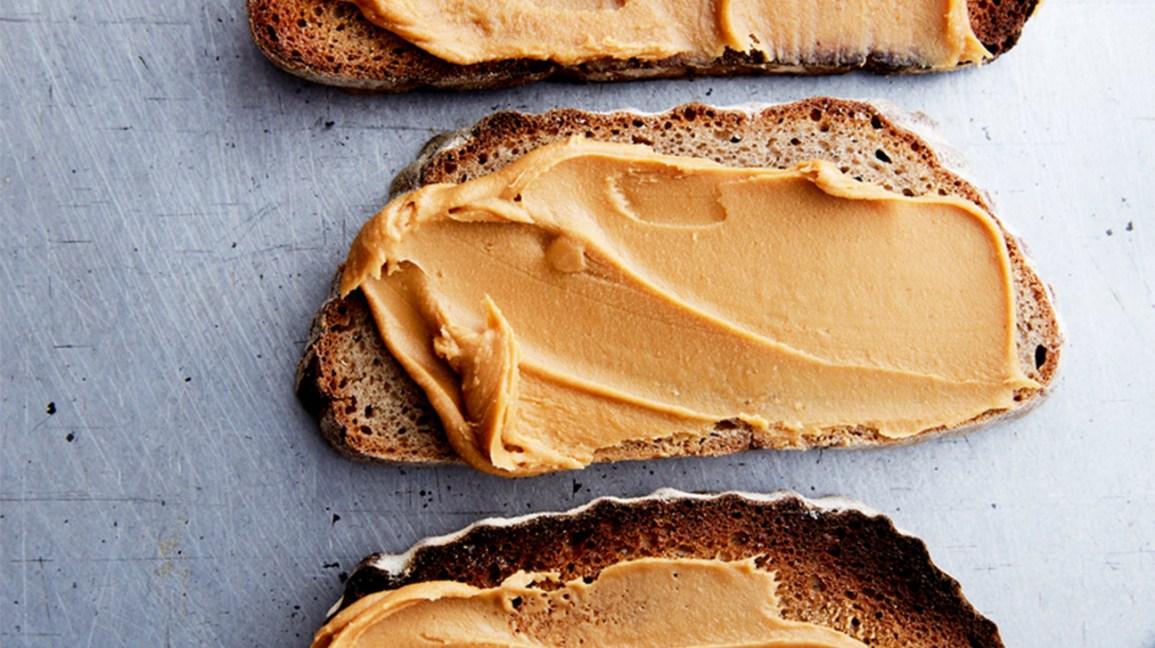 Beurre d'arachide sur pain